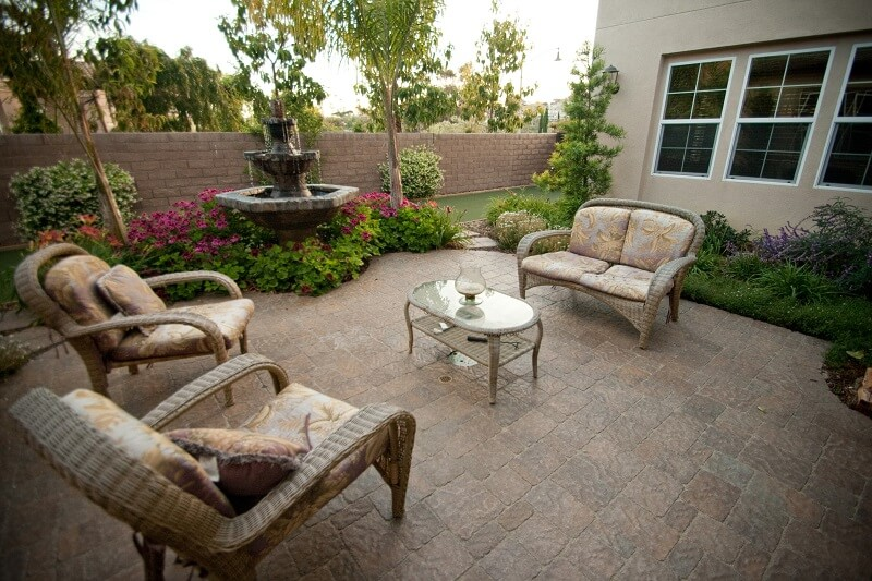 Belgard-Pavers-courtyard