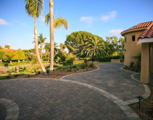 Walkway Pavers Installation Contractor